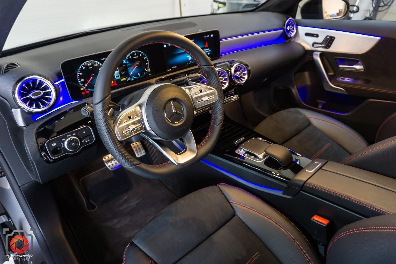 Alcantara to już nie tylko auta premium